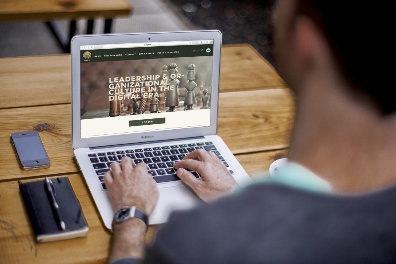 Mast-Jägermeister social intranet pinboard